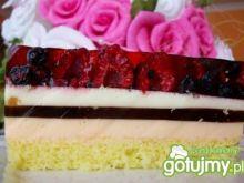 ciasto z owocami leśnymi