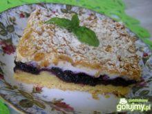 Ciasto z pianką i jagodami