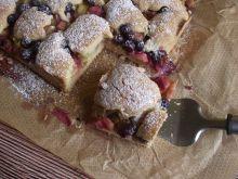 Ciasto z rabarbarem i borówkami