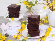 Ciasto z rodzynkami i kawałkami czekolady