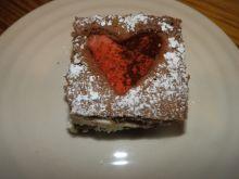 Ciasto z serduszkowym okienkiem