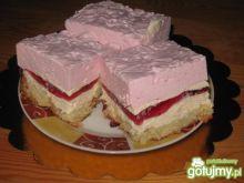 Ciasto z truskawkową pianką.