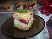 Ciasto ze śliwkami i pianką budyniową
