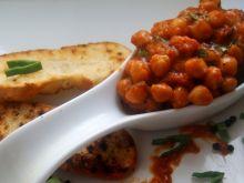 Cieciorka na pomidorowo ( z kiełbasą)