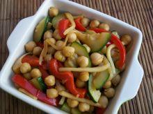 Cieciorka z warzywami