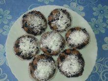 Ciemne babeczki z jagodami i czekoladą