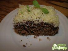 Ciemne ciasto z dżemem i wiórkami kokos.