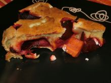 Clafoutis z burakami i karmelizowaną marchwią