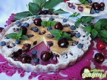 Clafoutis z czereśniami i borówką