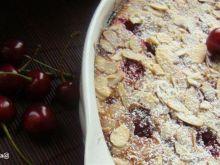 Clafoutis z wiśniami i migdałami