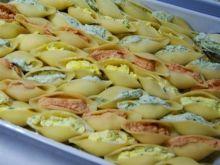 Conchiglioni faszerowane pastami serowym