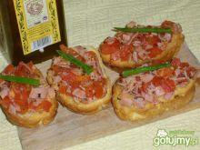 Crostini z szynką i pomidorami