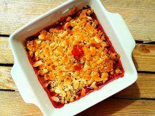 Crumble owsiano-migdałowe z czerwonymi owocami