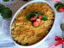 Crumble z rabarbarem i truskawkami