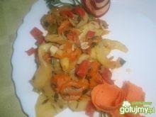 Cukinia  duszona w smietanie z warzywami