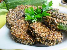 Cukinia w panierce z suszonych grzybów i otrąb