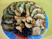 Cukinia z czosnkiem i oliwkami