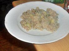Cukinia z ryżem w sosie jajeczno-winnym