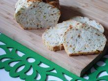 Cukiniowy chlebek z bazylią