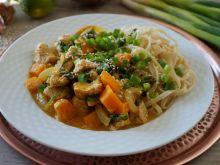 Curry z indykiem, dynią i szpinakiem