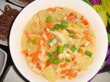 Curry z kurczakiem, ananasem i warzywami