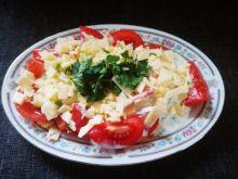 Ćwiartki pomidorów z sosem czosnkowym