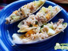 Cykoria nadziewana sałatką z makreli