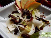 Cykoria z grzybami mun i sosem sojowym