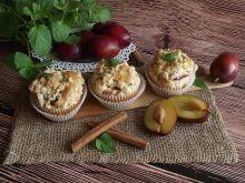 Cynamonowe muffiny ze śliwkami