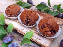 Cynamonowo-imbirowe muffinki ze śliwkami