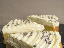 Cytrynowa tarta z kremowym obłoczkiem