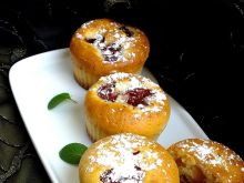 Cytrynowe muffinki z czereśniami