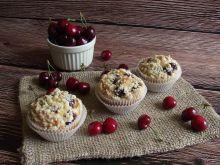 Cytrynowe muffiny z czereśniami