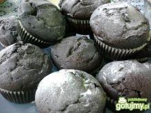 Czarne muffiny z białą czekoladą