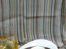 Czekoladowa zupa z sałatką owocową