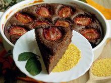 Czekoladowe ciasto jaglane ze śliwkami