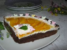 Czekoladowe ciasto z brzoskwiniami