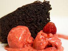 Czekoladowe ciasto z chili i sorbetem