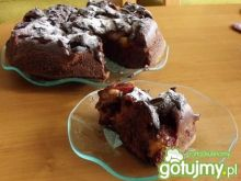 Czekoladowe ciasto ze śliwkami