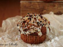Czekoladowe muffinki z kokosem i migdałami
