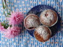 Czekoladowe muffinki z malinami