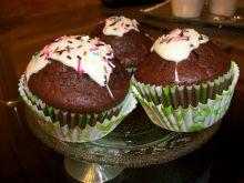 Czekoladowe muffiny z powidłami