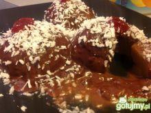 Czekoladowo- mialinowe brzoskwinki