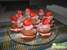 Czekoladowo truskawkowe muffins