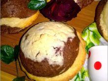 Czekoladowo-waniliowe babeczki z różą