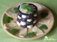 Czekoladowy deser z kremem ananasowym