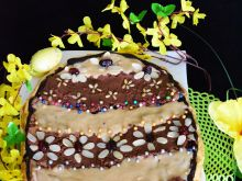 Czekoladowy mazurek z konfiturą porzeczkową