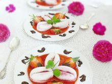 Czereśniowo-truskawkowo-kokosowe kostki