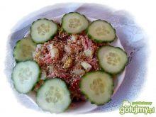 Czerwona-zielona surówka z sezamem