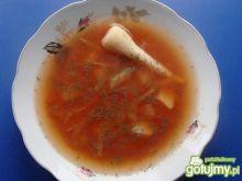 Czerwona zupa z kapustą.